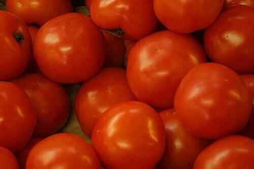 помідор серед діуретиків