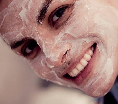 Маски для обличчя на кожен день
