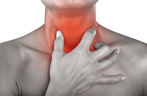Біль у горлі: 12 природних лікувальних засобів
