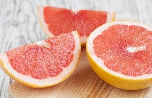 грейпфрут виводить токсини