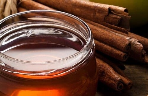 Користь від щоденного вживання столової ложки суміші кориці та меду