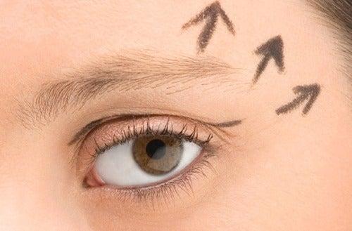 Корисні способи відновлення молодості шкіри навколо ваших очей