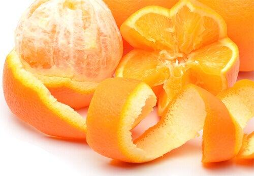 апельсин та апельсинова шкірка