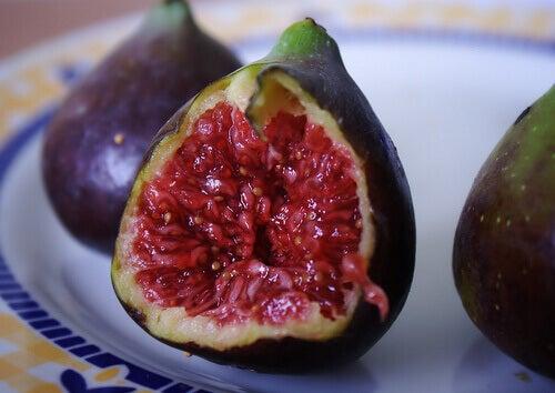 плоди фігового дерева