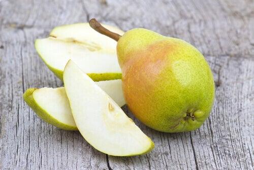 при такому захворюванні, як гастрит, рекомендовано їсти груші