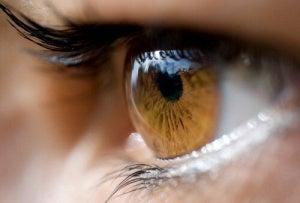 Що про вас може розповісти колір очей?