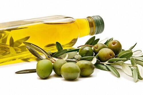 Оливкова олія проти закрепів
