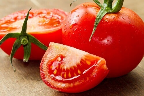 Як знизити високий кров'яний тиск за допомогою помідорів