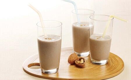 Горіхове молоко