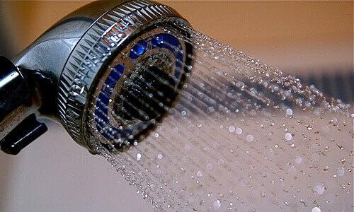 Холодний душ: десять корисних для здоров'я властивостей