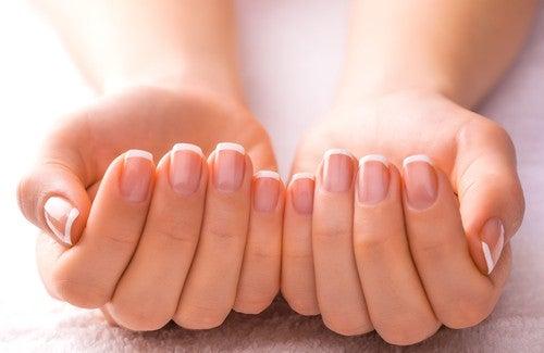 Поради для красивих нігтів