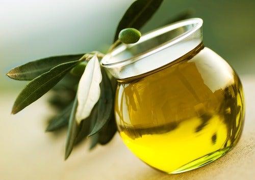Домашні засоби з оливковою олією