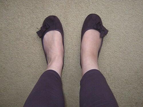 набряки на ногах