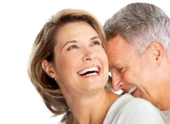 сміх чоловіка та жінки