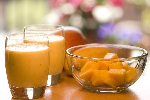 смузі з манго