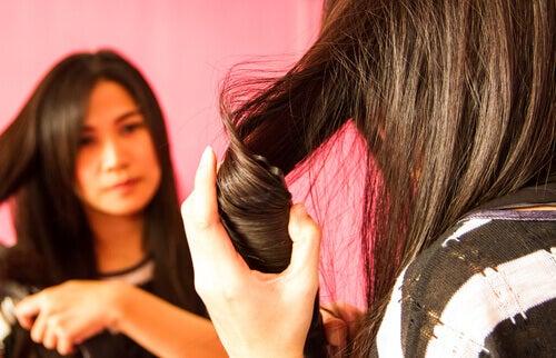 праска для випрямлення волосся