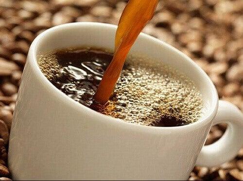 П'ять причин, щоб пити каву щодня