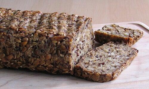хліб з льону