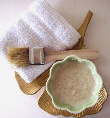 Домашній крем для зменшення зморшок на шиї