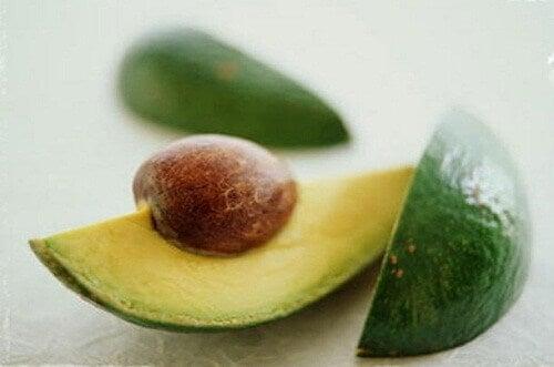 9 причин, чому слід їсти кісточки авокадо