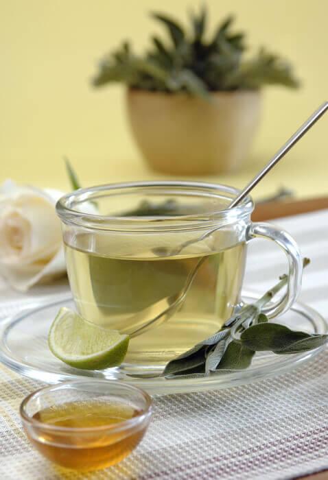 Чай з шавлії і лаврового листя
