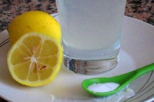 Смачні напої на основі лимона на сніданок