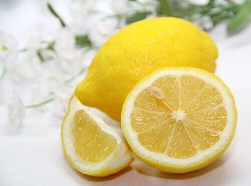 Чай з лимона
