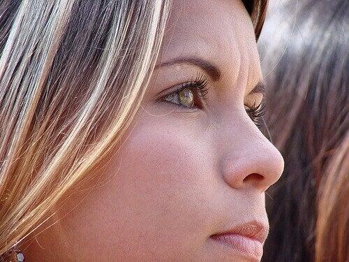 обличчя жінки
