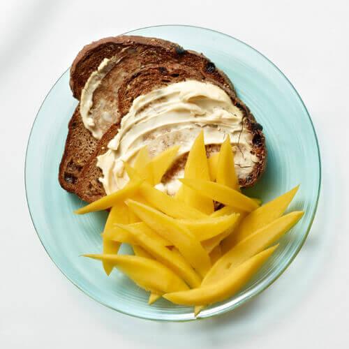 tost-z-mango