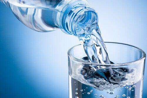 вода для здоров'я жінки