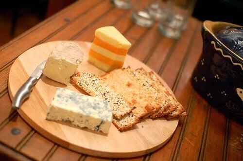 Сир запобігає мігрені