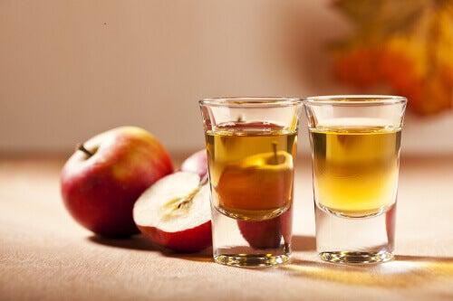яблучний оцет діє як дезінфікувальний ілікувальний засіб