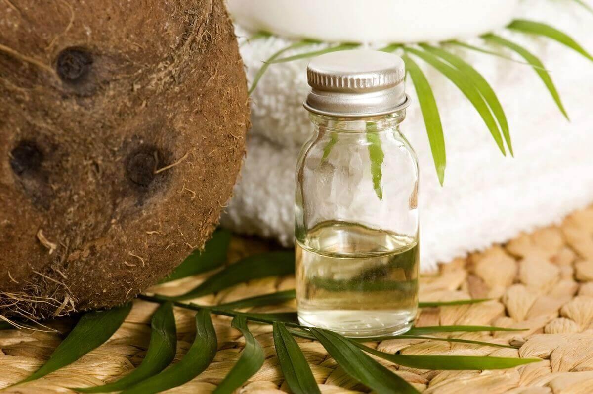 Кокос та олії для відновлення волосся