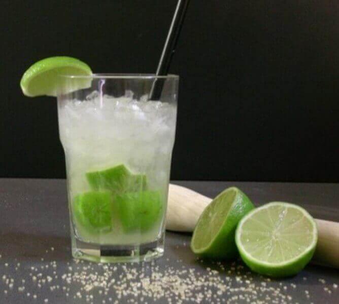 напої з лимона та харчової соди
