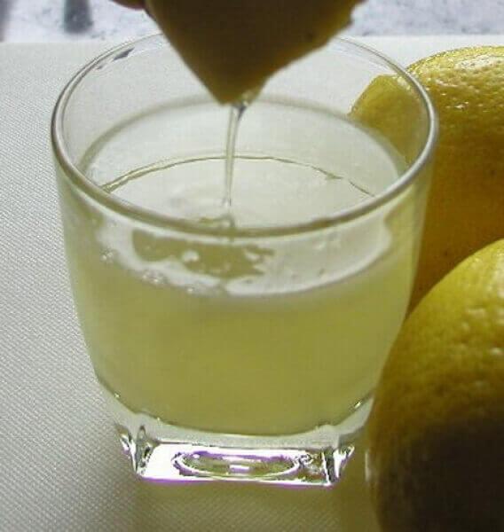коктейль з алое вера та лимона
