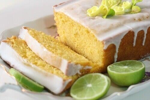 Як власноруч приготувати смачний лимонний пиріг