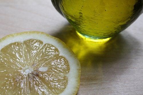 лимон та лимонний сік