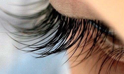 рицинова олія допоможе мати гарні вії