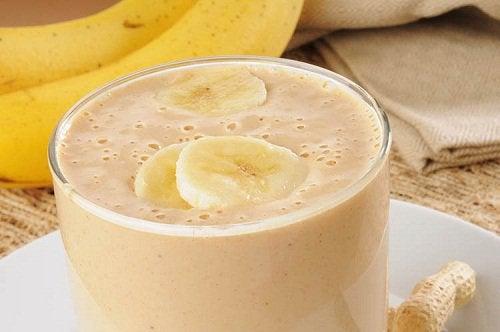 3-smuzi-z-bananom