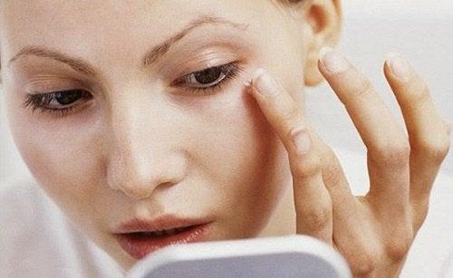 Деякі косметичні хитрощі для худого вигляду обличчя
