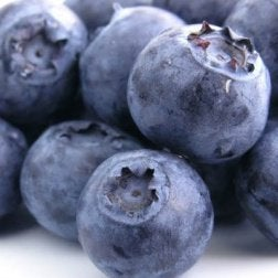 ягоди синього кольору
