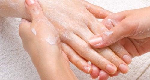 1-ruka-masazh
