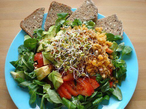 3-tsilni-zerna-i-salat