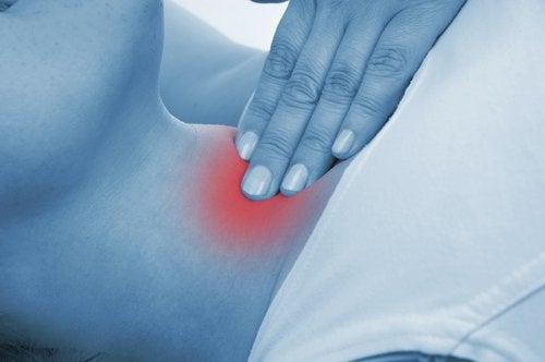 пальпація щитоподібної залози