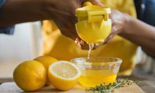чай з лимоном допомагає заснути