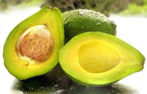 плоди авокадо