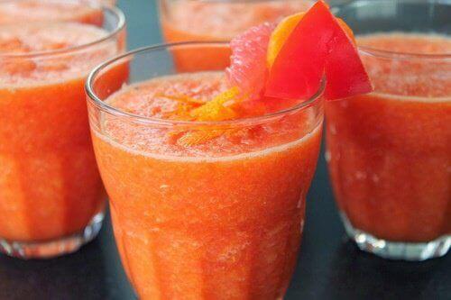 Грейпфрутовий сік після їжі допоможе схуднути