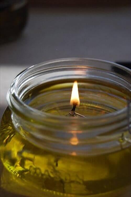 Свічка з оливкової олії