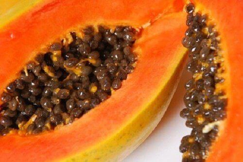 Papaya-i-perevahy-dlya-shkiry-500x334