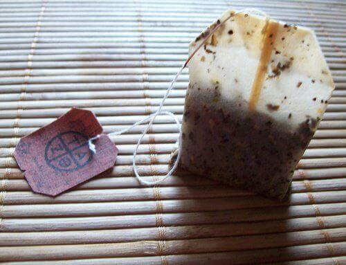 використаний чайний пакетик